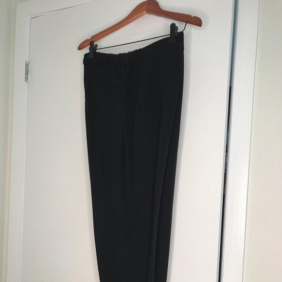 Black cropped pants